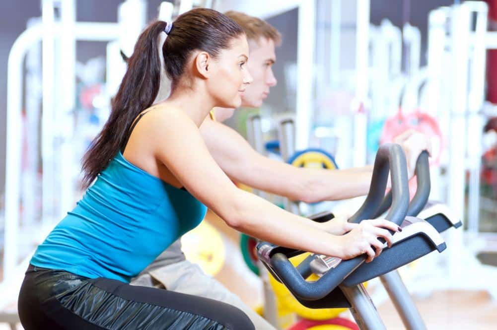 http://streaming.yayimages.com/images/photographer/markin/0374d4a4185a9fd8b402841c96d6d8d4/people-in-the-gym-doing-cardio-cycling-training.jpg