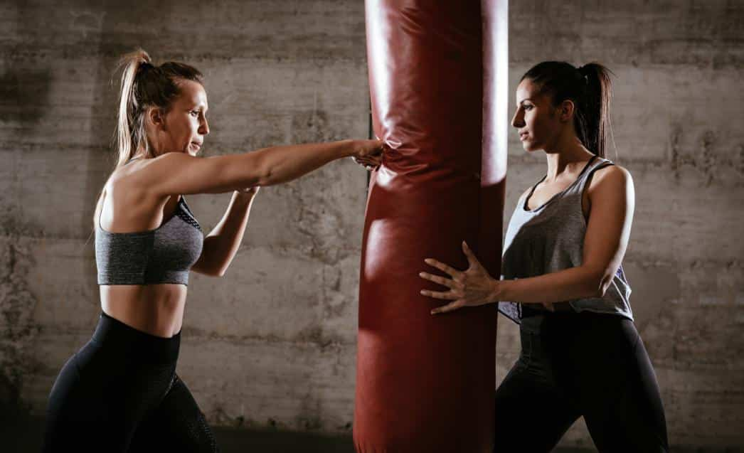 http://streaming.yayimages.com/images/photographer/milanmarkovic78/88121e9ac406c8f1cfb82ae745a885a0/boxing-workout.jpg